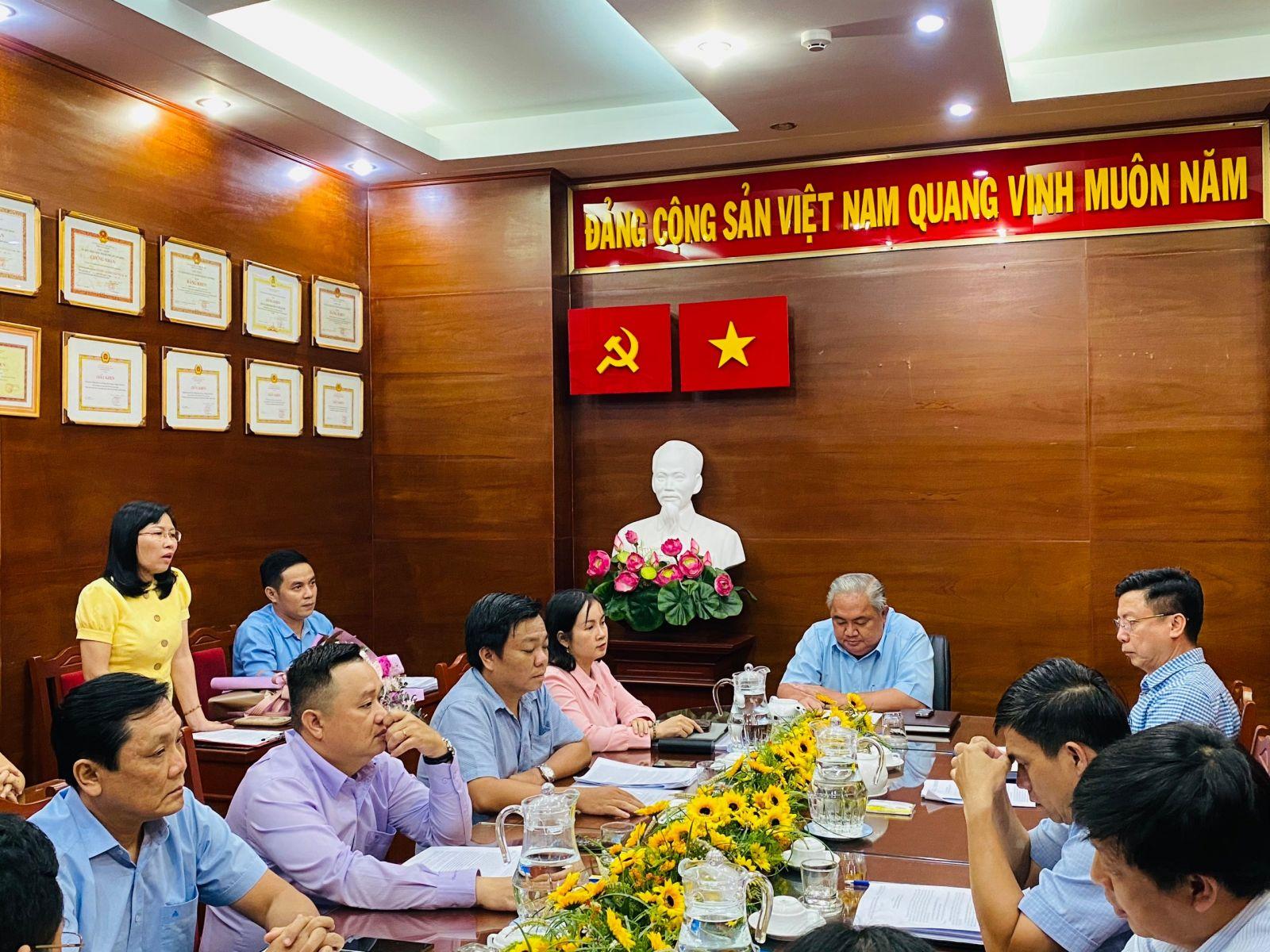 Trao quyết định bổ nhiệm Kiểm soát viên chuyên trách Công ty TNHH MTV Dược Sài Gòn