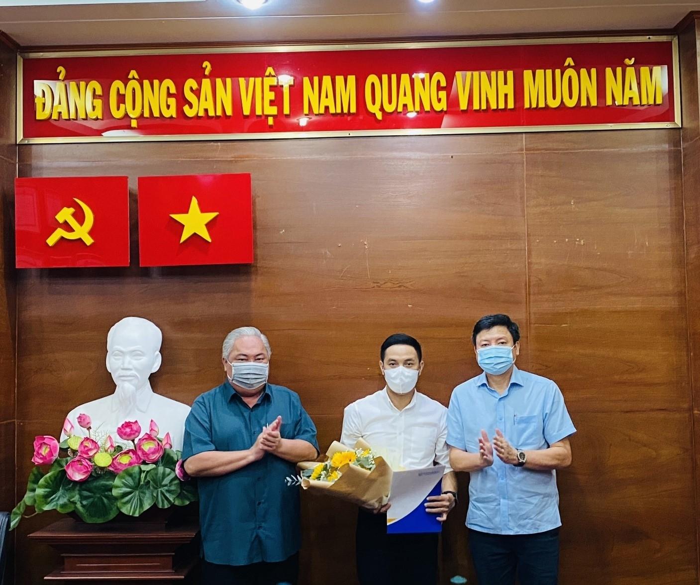 Công bố và trao Quyết định bổ nhiệm Thành viên chuyên trách Hội đồng thành viên Công ty TNHH MTV Dược Sài Gòn