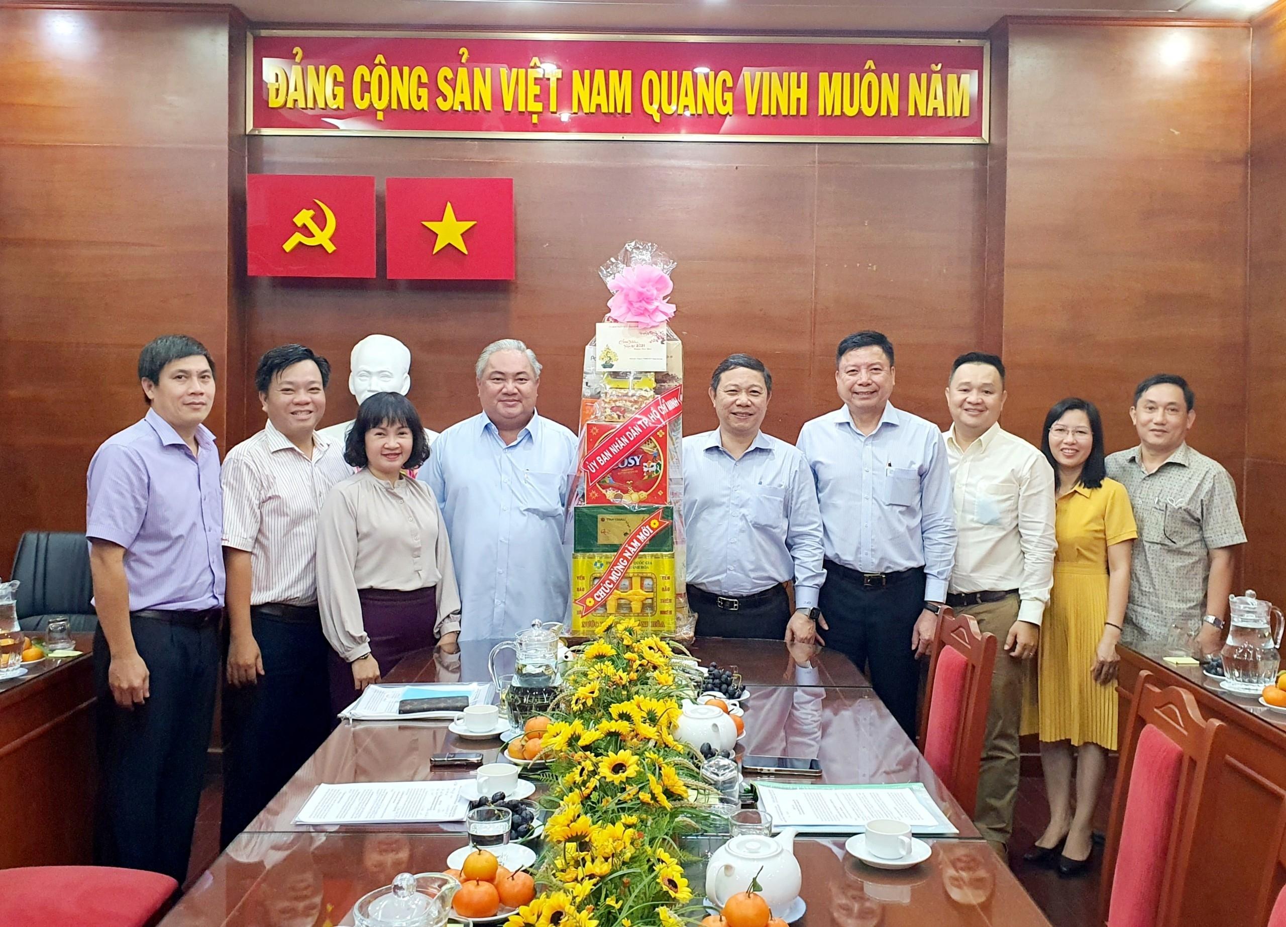 Phó Chủ tịch UBND TP.Hồ Chí Minh Dương Anh Đức thăm và chúc Tết Công ty TNHH MTV Dược Sài Gòn